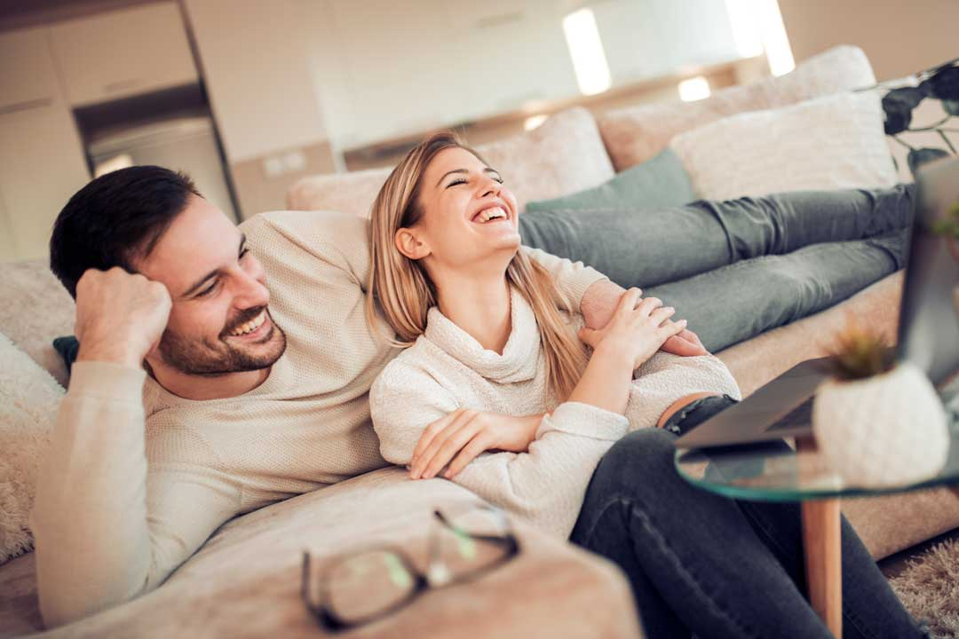 Settle down in the UK with the right marriage visa