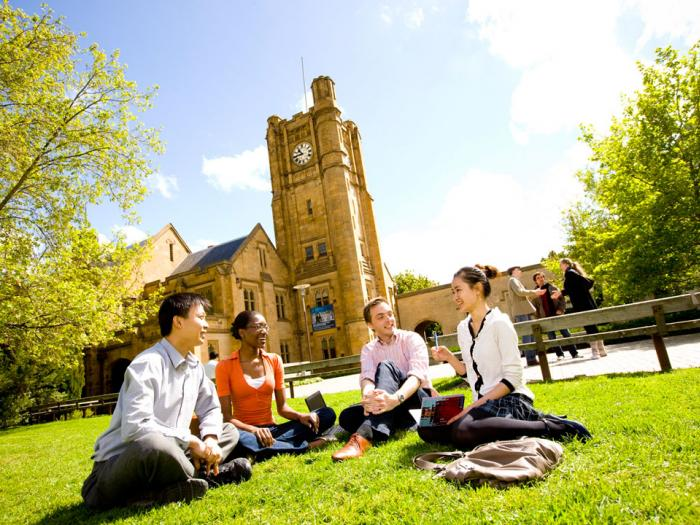 An estimate of the cost of an Australian university education